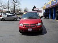 2005 Dodge Caravan Huntington Station 2-204