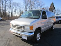2006 Ford Econoline Wagon  12583