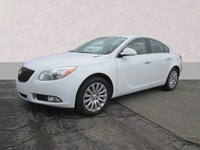 2012 Buick Regal MI  B879A
