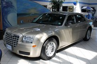 2009 Chrysler 300 Long Island U10692T