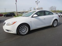 2011 Buick Regal MI  P5987