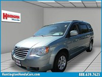2010 Chrysler Town & Country Long Island U34032